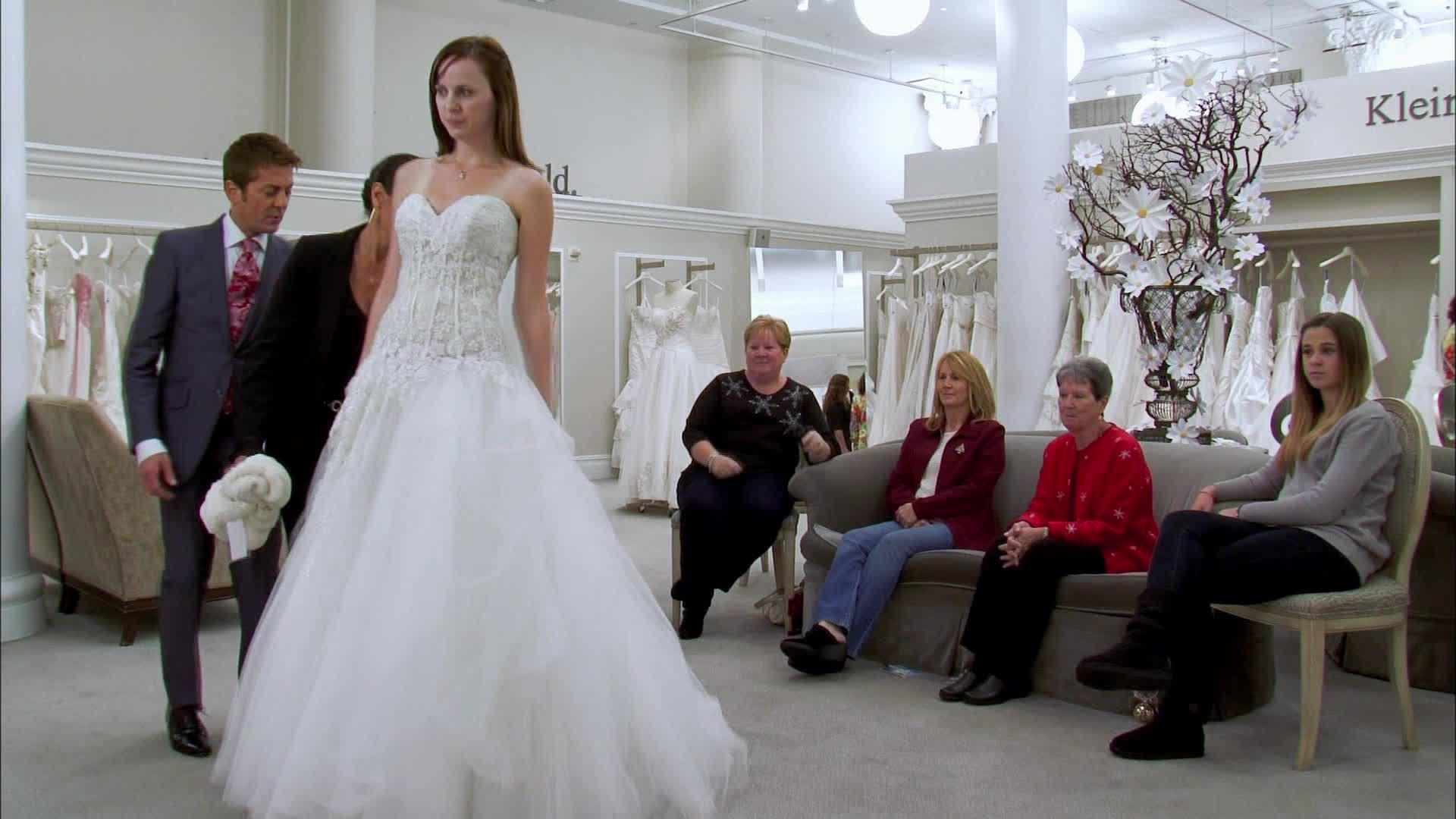 Matrimonio Natalizio Abito : Abito da sposa cercasi matrimonio natalizio dplay