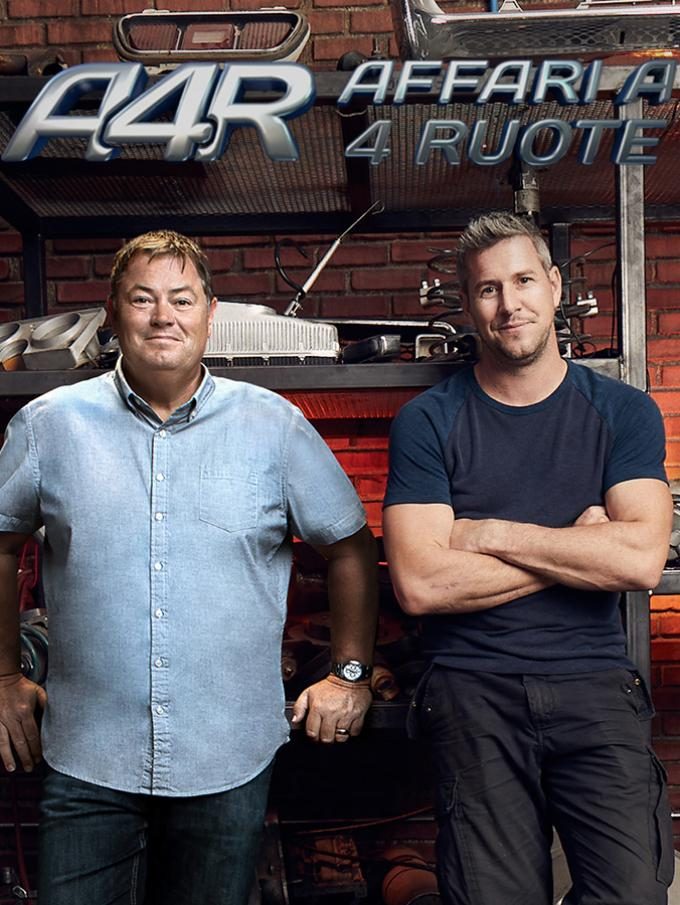 Affari a quattro ruote - Mike Brewer e Ant Anstead sono pronti a catapultarsi in nuovi ed entusiasmanti affari a quattro ruote! Tra una Datsun Roadster del '69, una rara Audio S4 Avant del 2001, una Saab 9-3 Viggen e una Porsche Cayenne Turbo S del 2006 quali altri restyling li aspettano?